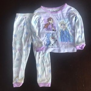 2/$10 🌼 Frozen II 3T Pajama Set
